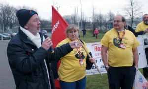 Billy from the Mears strike addresses the rally